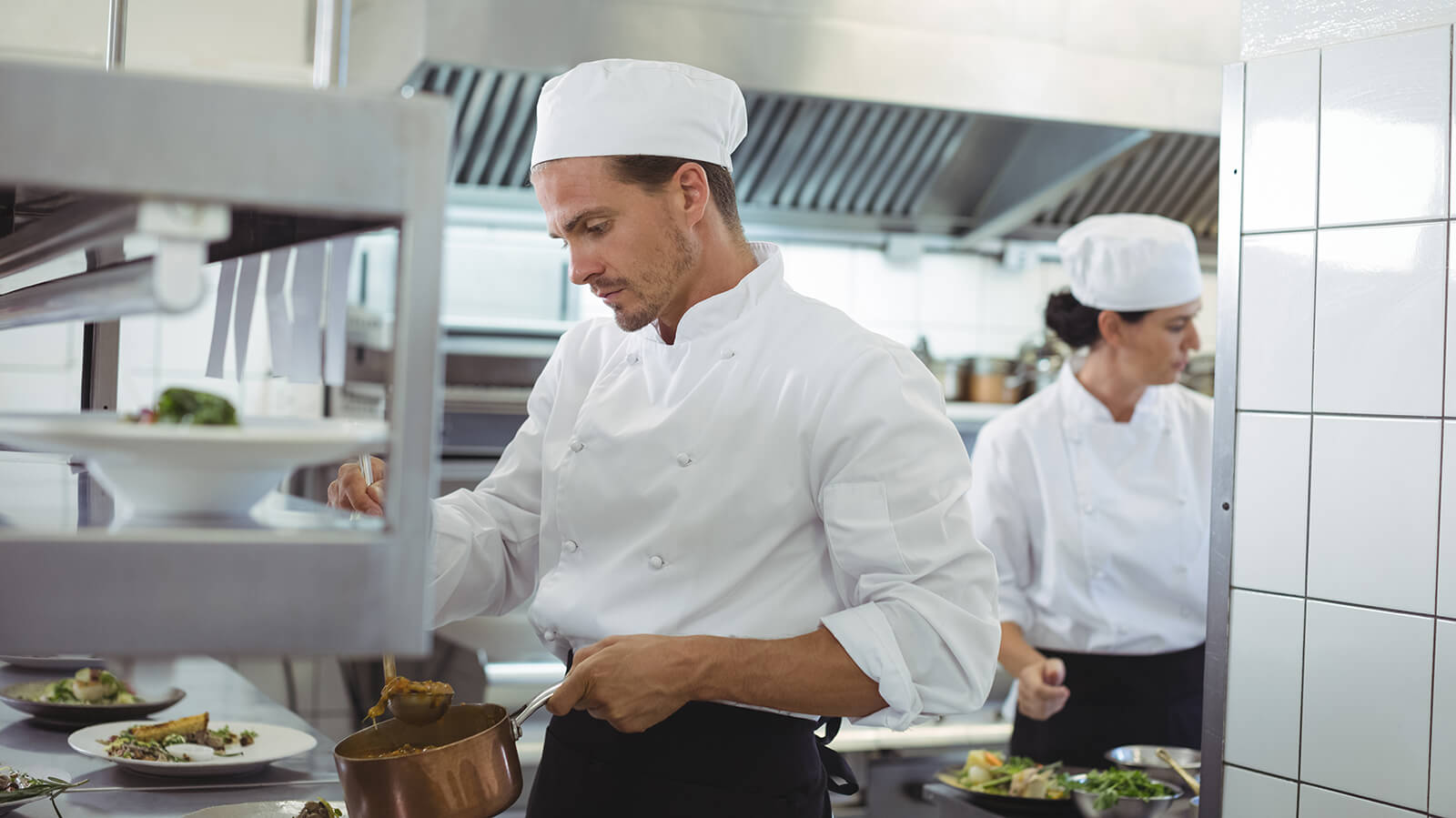 chef in club food and beverage operation